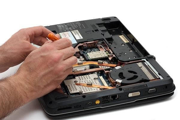 מעבדה לתיקון מחשבים ניידים ונייחים
